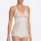 Spanx Spotlight On Lace Body Weiß